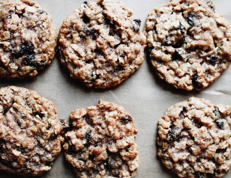 Oatmeal Raisin Cookies Recipe | sophisticatedgourmet.com