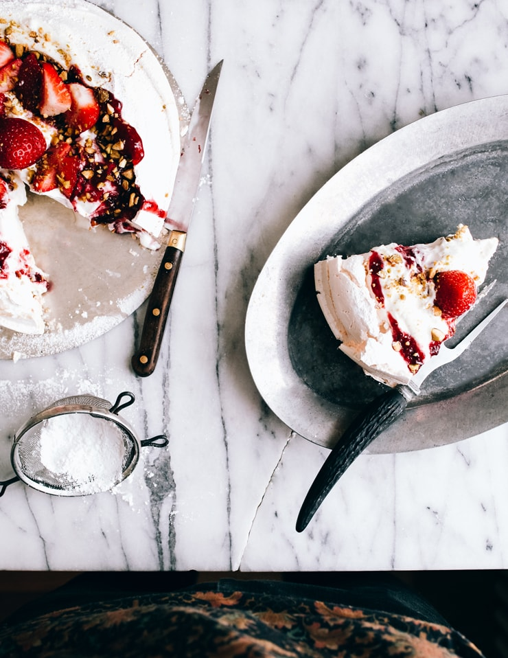 Strawberry Pavlova Recipe | sophisticatedgourmet.com