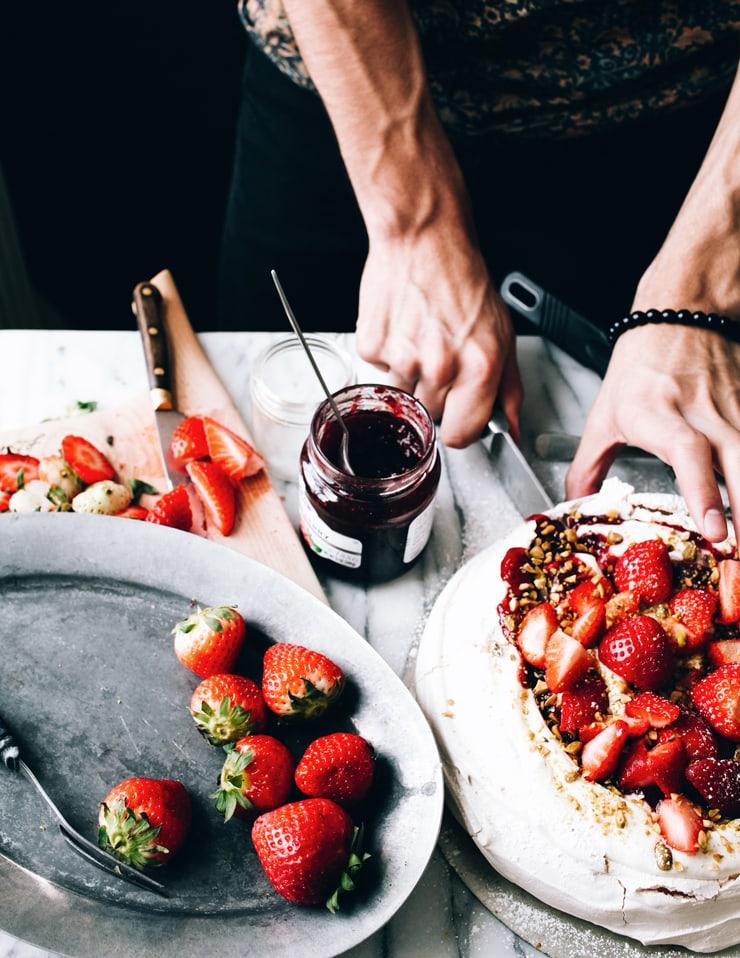 Strawberry Pavlova Recipe | sophisticatedgourmet.com