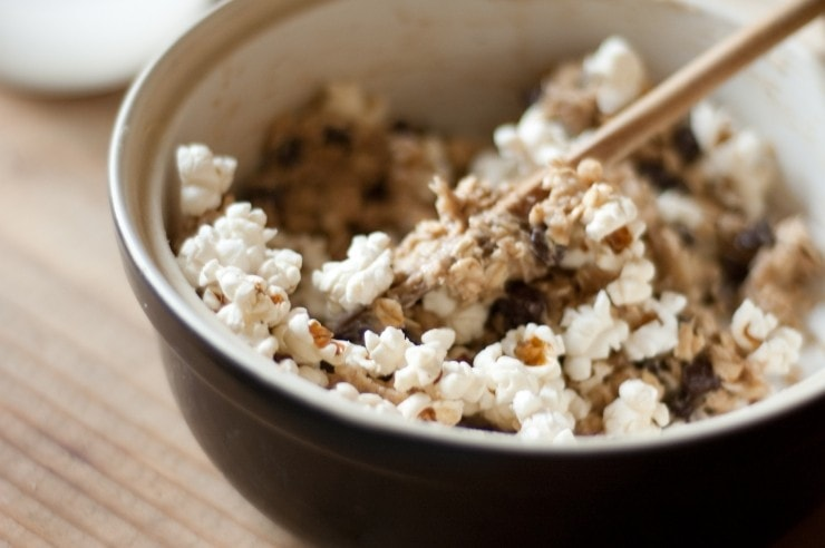 Brown Butter Carnival Popcorn Bars Recipe   sophisticatedgourmet.com