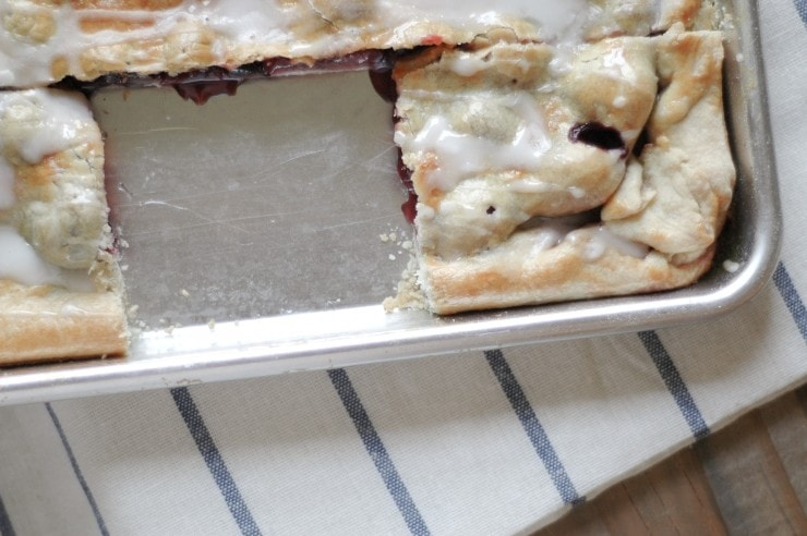 Sweet and Sour Cherry Slab Pie Recipe| sophisticatedgourmet.com