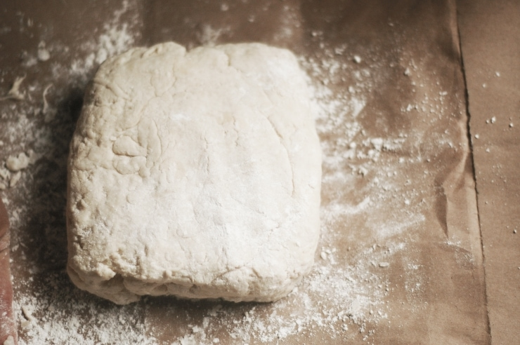 Easy Buttermilk Biscuits Recipe | sophisticatedgourmet.com