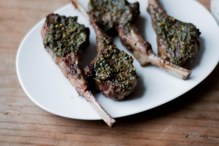 Pistachio, Mint & Spice Crusted Lamb Chops Recipe | sophisticatedgourmet.com