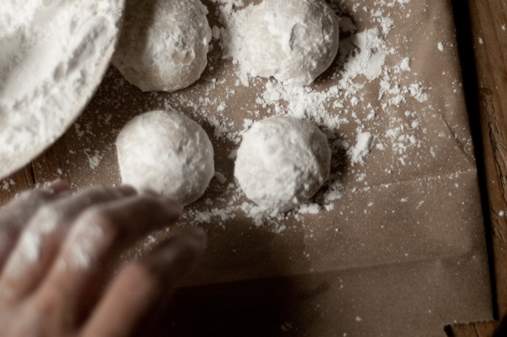 Mexican Wedding Cookies, Russian Tea Cakes, Polvorones- whatever you know them as, these delicate cookies are perfect for any occasion. | sophisticatedgourmet.com