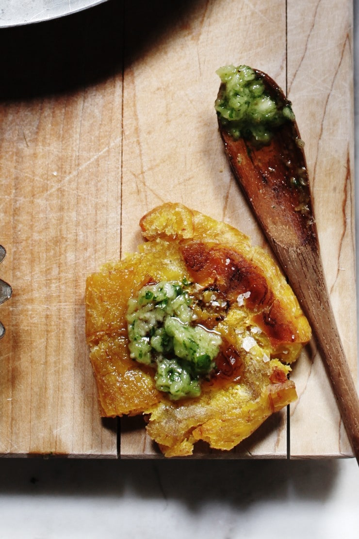 Tostones recipe with ajillo