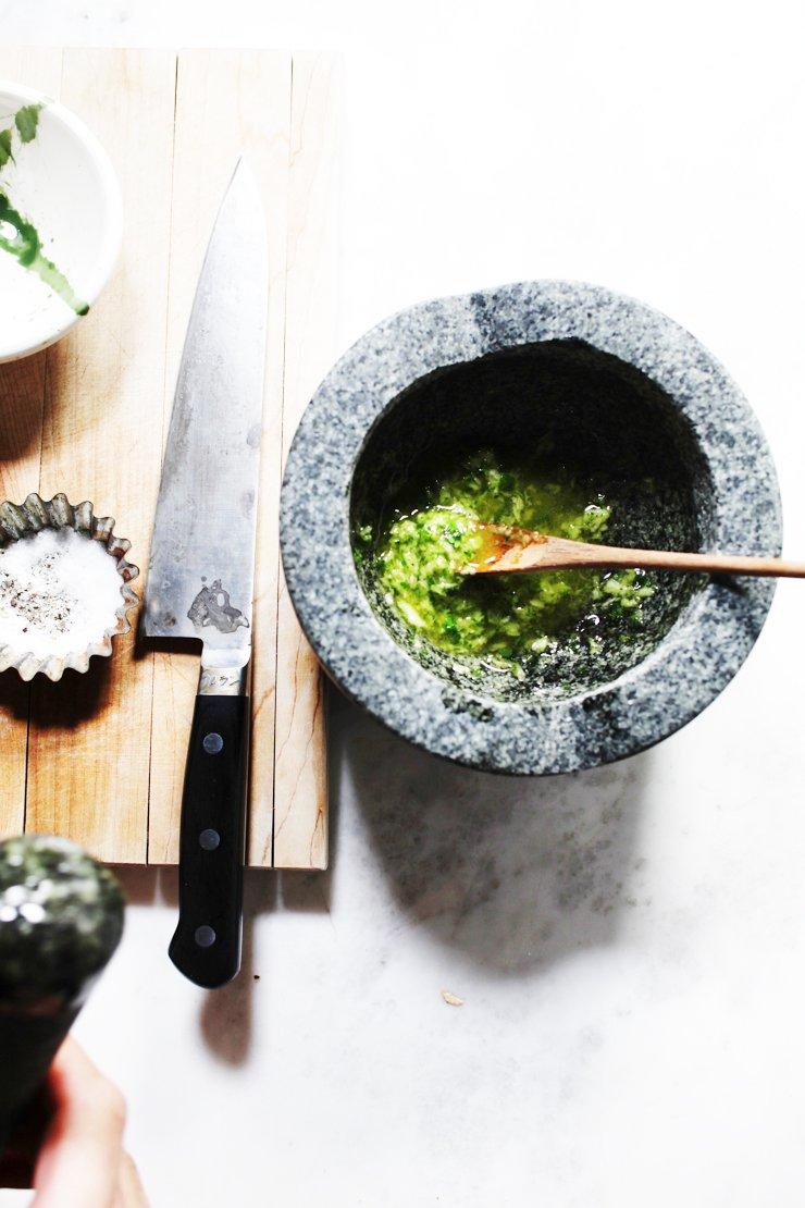 Cilantro (Coriander) Garlic Dipping Sauce